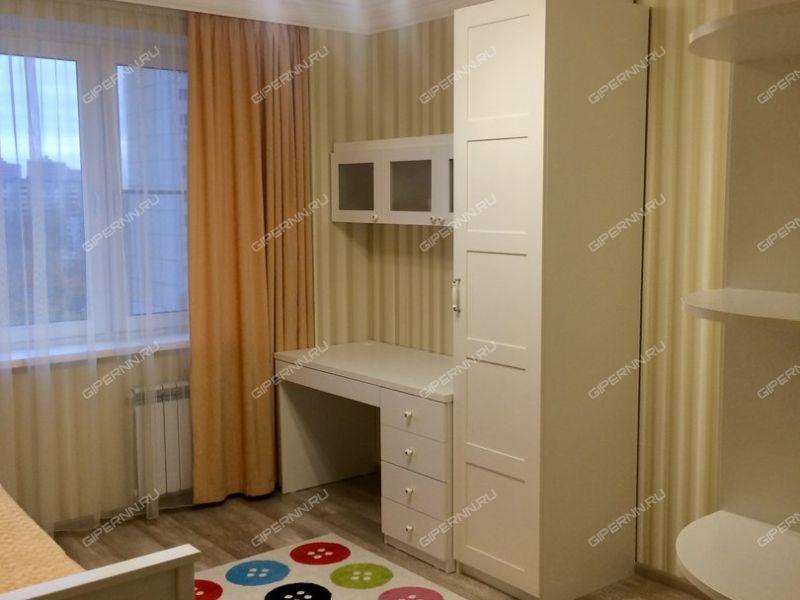 трёхкомнатная квартира на бульваре 60-летия Октября дом 25 к2