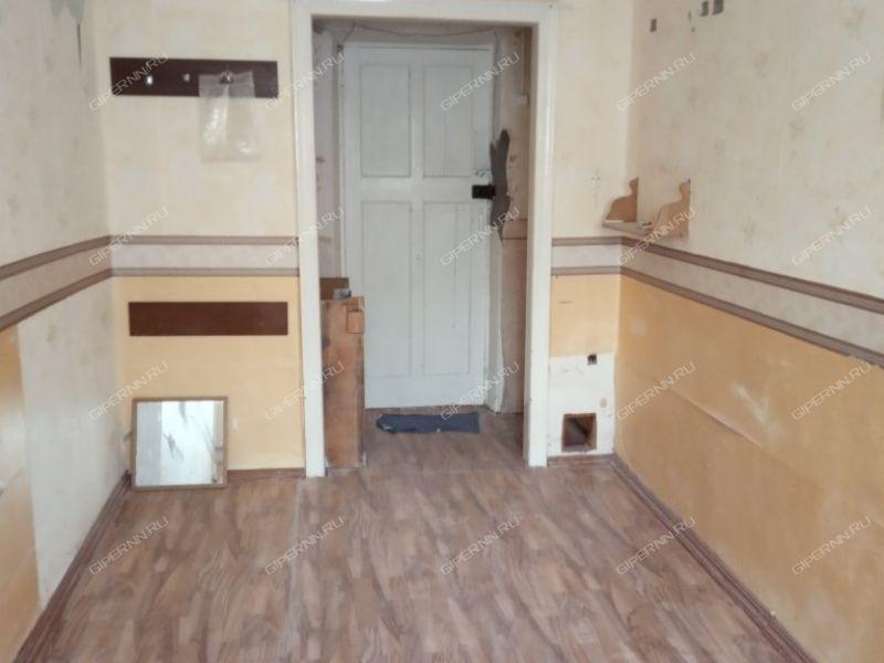 комната в доме 52 на проспекте Героев