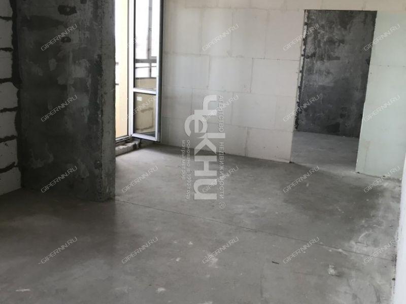 трёхкомнатная квартира на улице Июльских Дней дом 1 к2