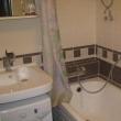Чем можно заменить кафельную плитку в ванной?